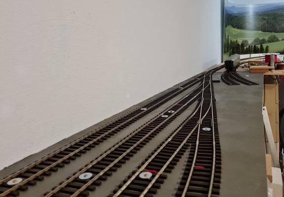 Einfahrt in die Abstellgruppe - rechts die Streckengleise