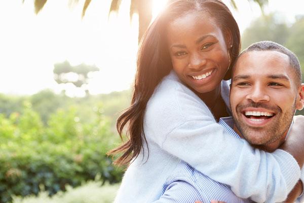 Glücklich ; Verliebt ; Wunderschön ; Paar ; Liebe ; Lachen ; Pärchen ; sympathisch