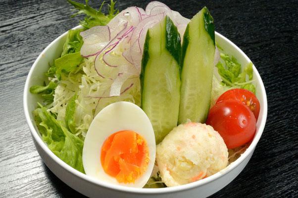 おに家サラダ