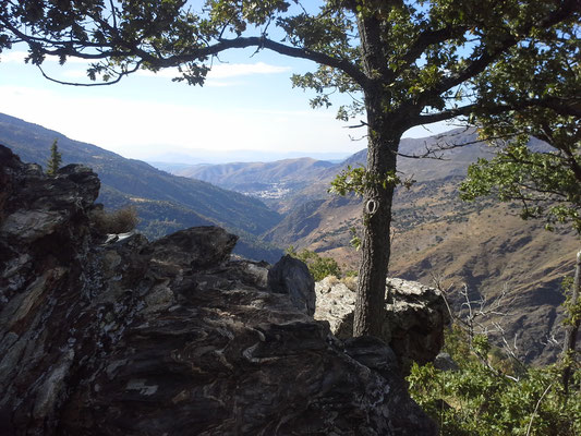 im Hintergrund Guejar Sierra