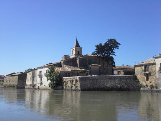 St. Etienne des Sorts, schöner Anleger und schönes typisch südfranzösisches Dorf