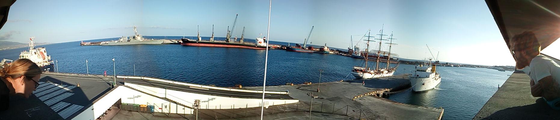 Hafeneinfahrt Ponta Delgada