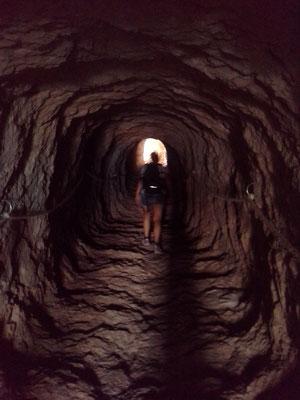 einen kurzen Tunnel gibts auch beim Aufstieg