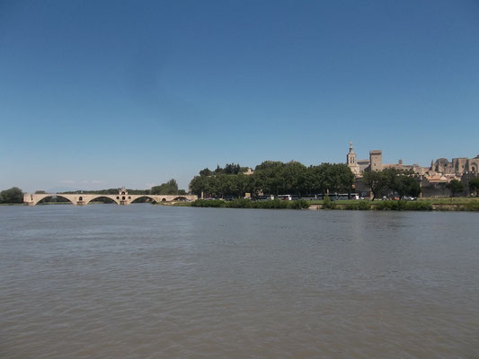 Die berühmte Brücke von Avignon (Saint Benezet)