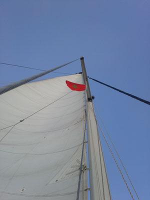 Nach über 3 Monaten hat die Spanien- Flagge kurz Pause. Bienvenue a Marocco