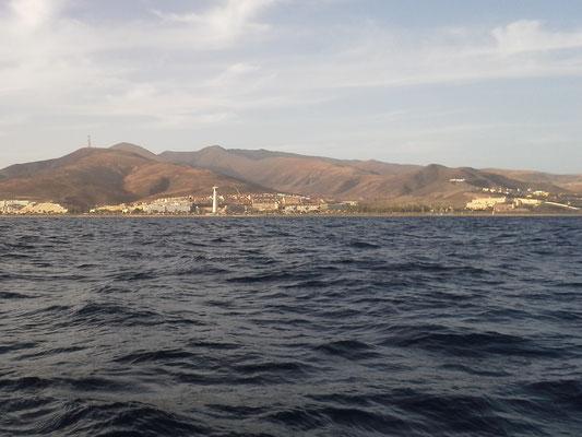 Blick zur Ostküste und Pico de Zarza von See aus