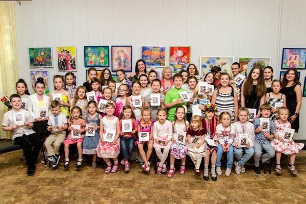 28 травня напередодні Міжнародного дня захисту дітей у Запорізькому  обласному художньому музеї відкрилася виставка батику «ART-життя». d306655c11a35