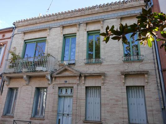 Rue Ingres, vers 1915. Frise en carreaux de ciment, plus ternes mais moins chers que les céramiques.