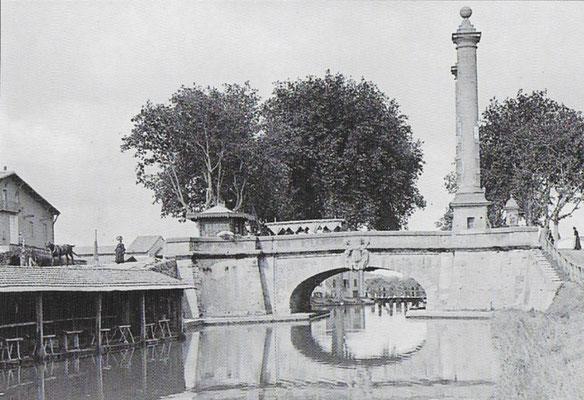 Le pont et ses colonnes