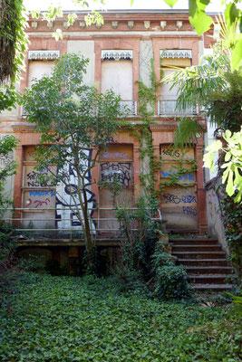 Maison fermée rue des Chalets