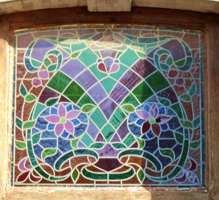 rue Saint-Honest, photo intérieure de la totalité de la porte page précédente