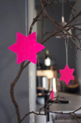 Sterne in NeonPink
