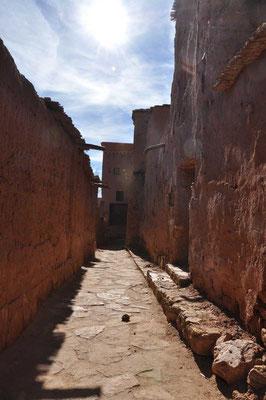 Steegjes in de kasbah (ksar) van Aït ben Haddou