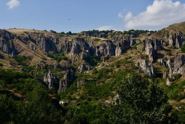 De 'cave city' van Khndzoresk nabij Goris