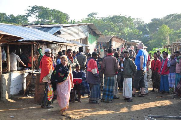 Beheli - 6 uur in de ochtend en het ganse dorp rondom ons