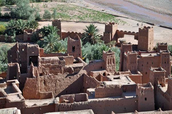 Toegangspoort van de kasbah van Aït Ben Haddou