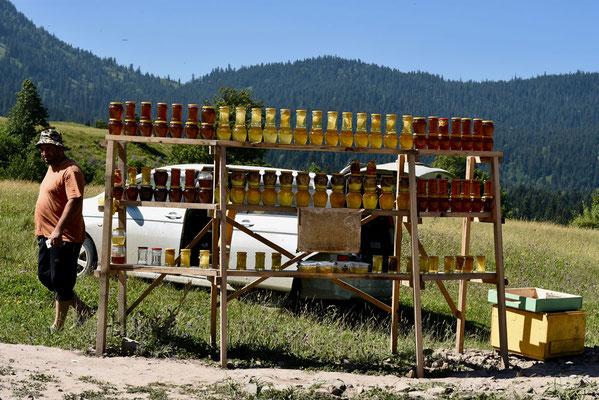 Honing verkoopt hier als 'zoete' broodjes