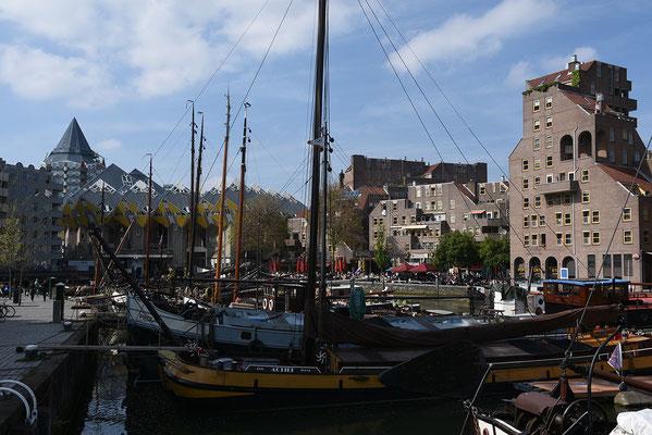 de 'tsjalken' in de oude haven