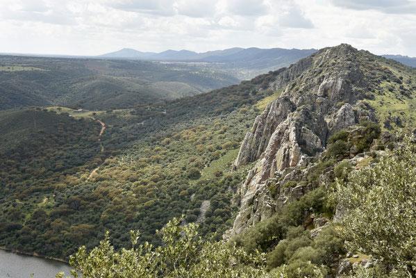 Salto del Gitano vanop 'el castillo'