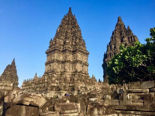 Zicht op Prambanan