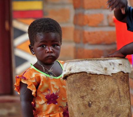 Kindje in het schoolproject in Sitima.