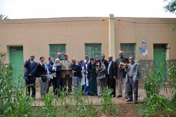 Groepsfoto met het onderwijzend personeel