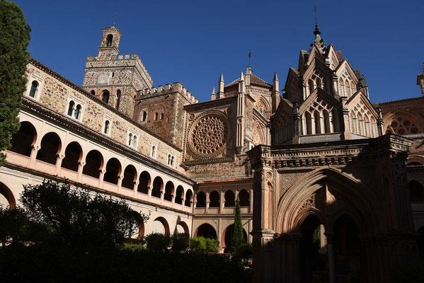 Binnenkoer van de kathedraal