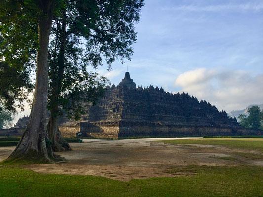 De prachtige tempel kort naar zonsopgang