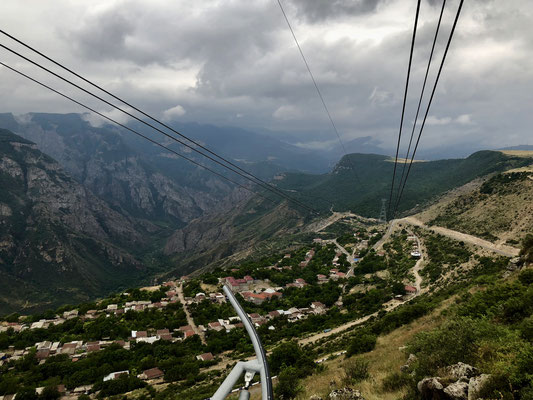 Tatev cable-car brengt je in 12 minuten naar Tatev Monastery