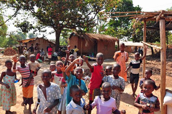 Kinderen op de foto in Mulanje