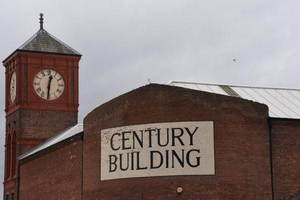 Vele oude gebouwen aan de haven worden gerestaureerd