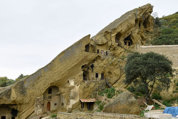 De cave monastery