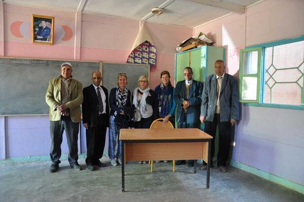 Groepsfoto met de onderwijzers