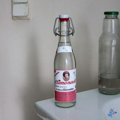 départ, prise de vue de la bouteille