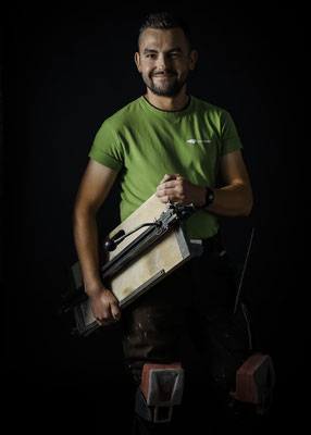 Mister Fliese beim Fotoshooting Foto: Axel Weiss