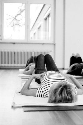 Yoga üben, Auflösen der Haltung