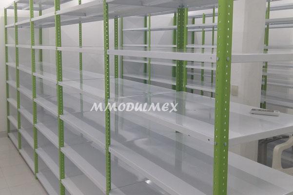 Vitrinas para farmacias, vitrinas para papelerías, mostradores, estantes metálicos, entrepaños metalicos, muebles metálicos