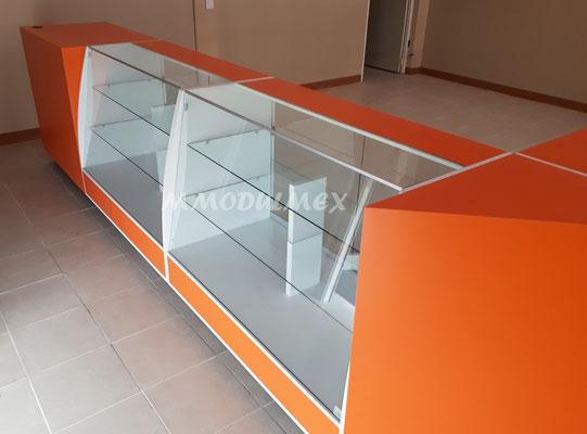 Vitrinas para farmacias, vitrinas para papelerías, vitrinas para tiendas, mostradores para negocios, vitrinas de madera
