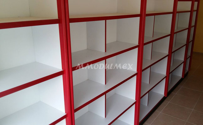 Vitrinas para farmacias, vitrinas para papelerías, mostradores, muebles de madera