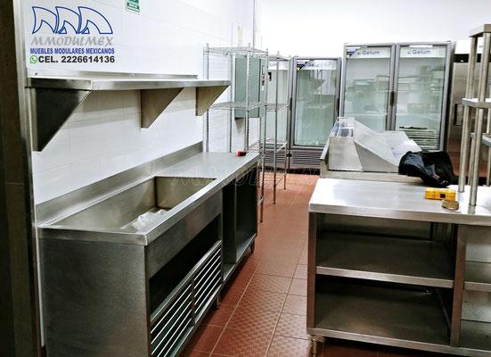 Muebles de acero inoxidable, muebles para restaurantes, muebles para cocinas industriales, tarjas