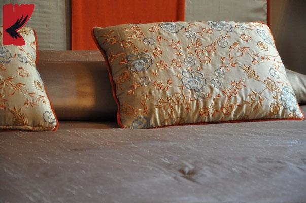 trapunta e cuscini ricamati