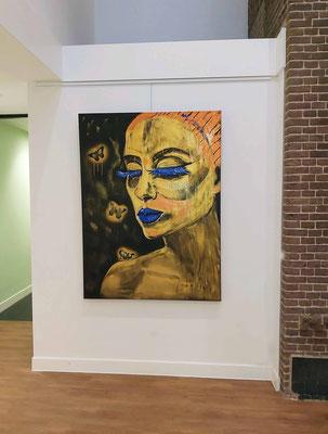 """Áttraction"""" Acryl op Linnen, 120 x 160 cm.  De betekenis en uitbeelding is...  'de aantrekkingskracht van getuite lippen en de aantrekkingskracht van nectar..."""
