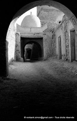 [NB050-1978-25] Temacine-Tamelhat - Rue de la mosquée de Si El Hadj Temacine