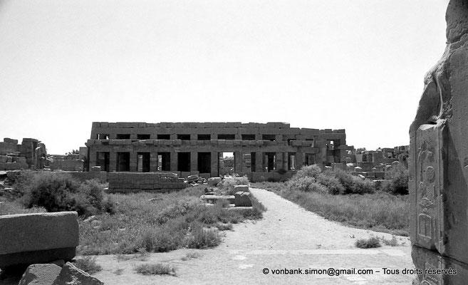[NB078-1973-54] Karnak - Akh-Menou : Façade Ouest de l'Akh-Menou
