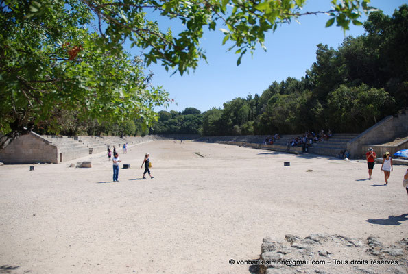 [NU901-2009-0111] Rhodes : Stade de la ville antique (fortement restauré)