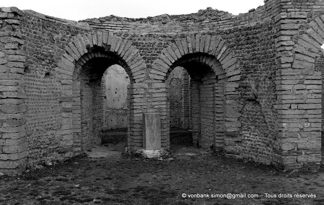 [NB033-1978-11] Djemila (Cuicul) : Grands thermes