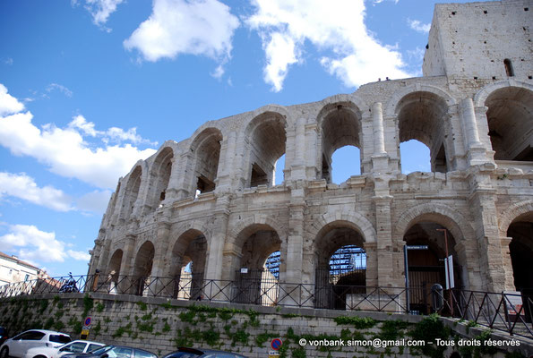 [NU002b-2016-0246] Arles (Arelate) - Amphithéâtre : Façade Nord-Est