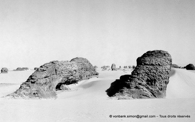 [NB101-1980-107] DZ - Tamanrasset - Hoggar