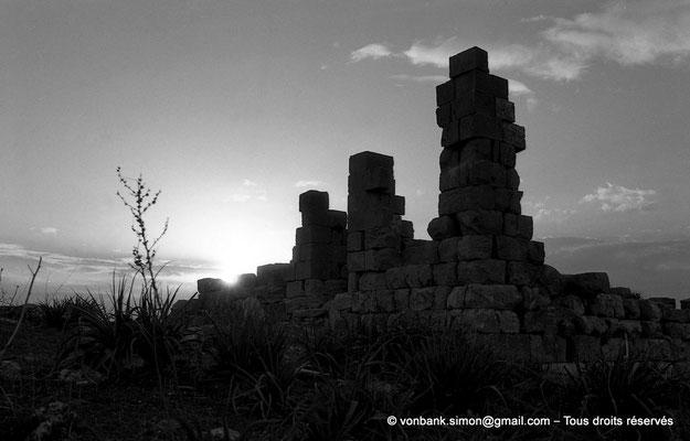 [NB034-1978-35] Khemissa (Thubursicu Numidarum) : les ruines du Ksar el Kebir (Fort byzantin)