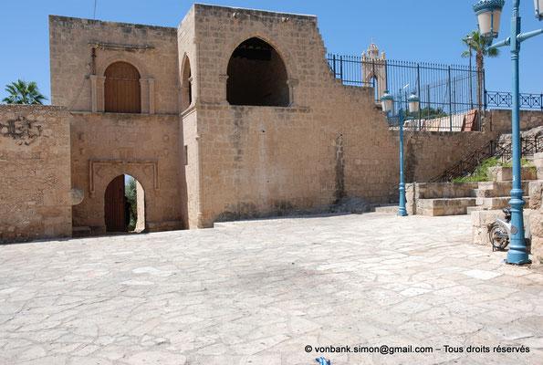 [NU900-2012-0188] Agia Napa : Une des entrées du monastère